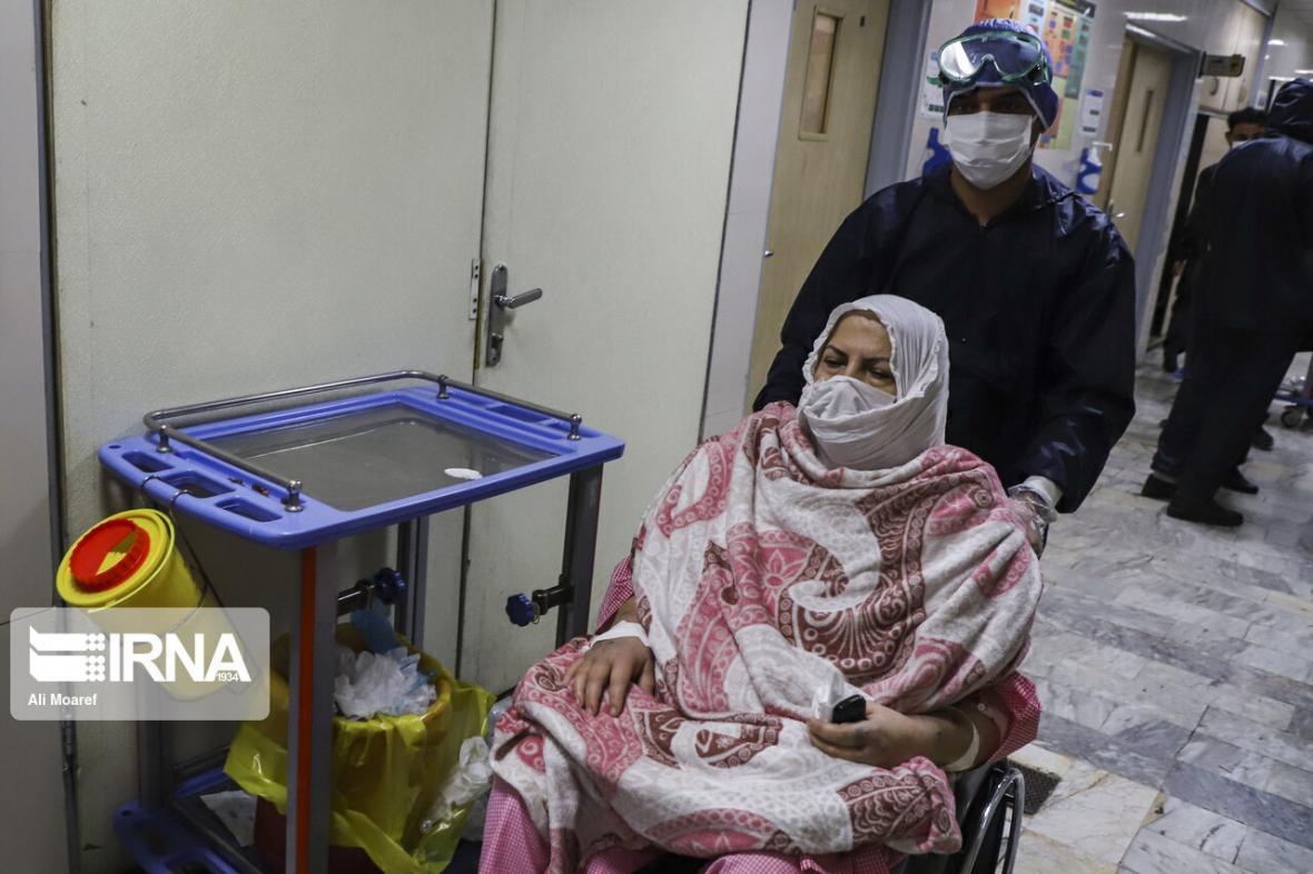 خبرنگاران مراجعه بیماران مشکوک به کرونا به بیمارستانهای خوزستان رو به کاهش است