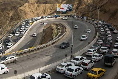 ترافیک سنگین در آزادراه تهران-شمال و کندوان ، انسداد 6 جاده به دلیل نداشتن ایمنی