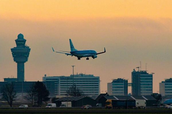 هنگ کنگ پروازهای مسافری از انگلیس را لغو کرد