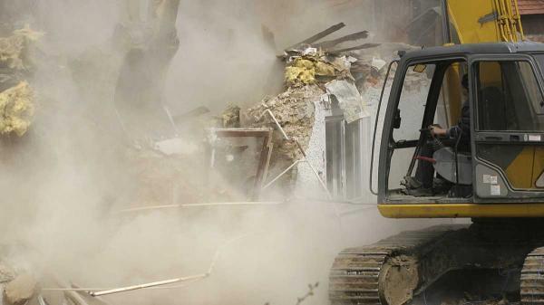 تخریب ساختمان با لودر تحت چه شرایطی و چگونه اجرا می گردد؟