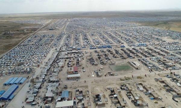 خبرنگاران یورش شبه نظامیان کرد با نظارت واشنگتن به اردوگاه الهول در شرق سوریه