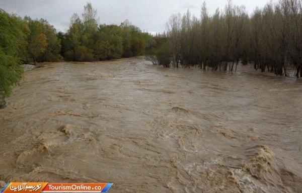 ورود جهانگرد ان به رودخانه ها البرز مخاطره آمیز است